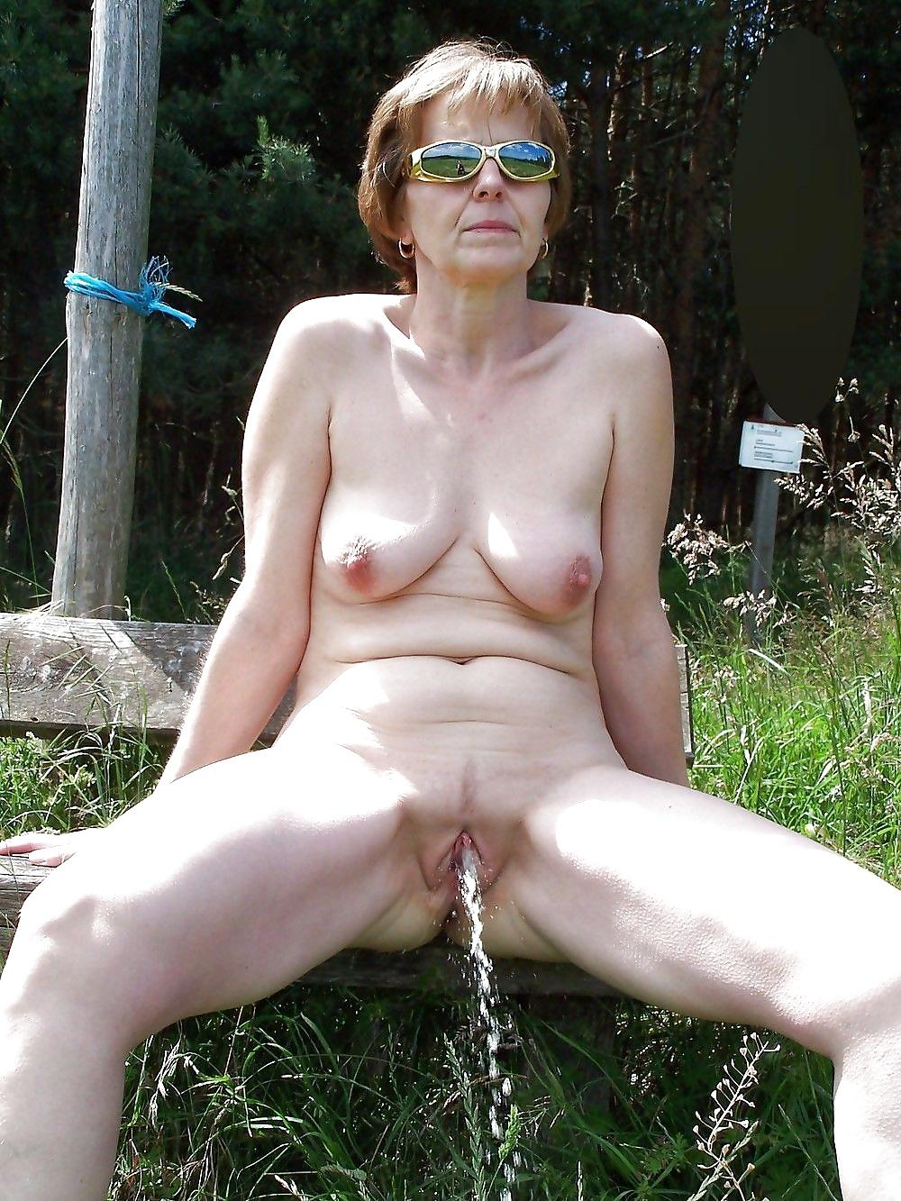 pisayushie-porno-tetki