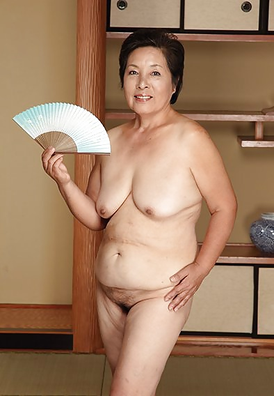 Nice body japanese naked mature but